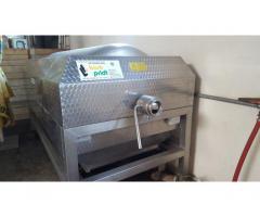 Neuwertige Enoveneta Weinpresse 1800 Liter