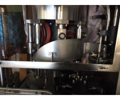 Seitz Tirax Unterdruck-Füll- und Verschließkombinat