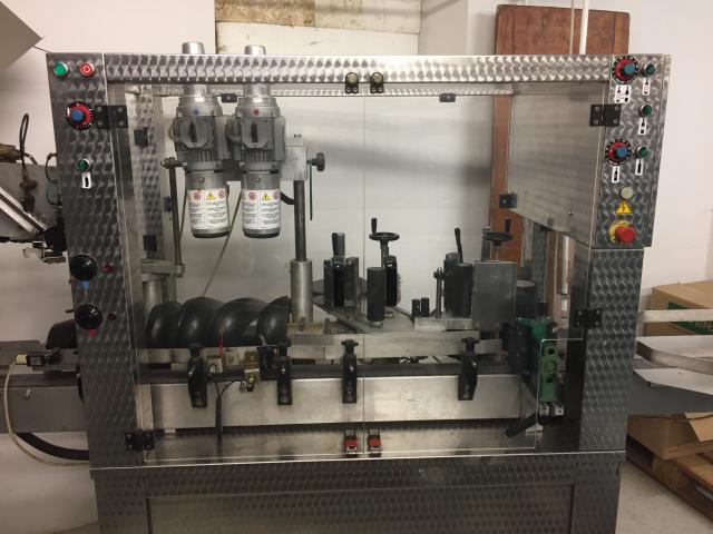 Ettiketiermaschine