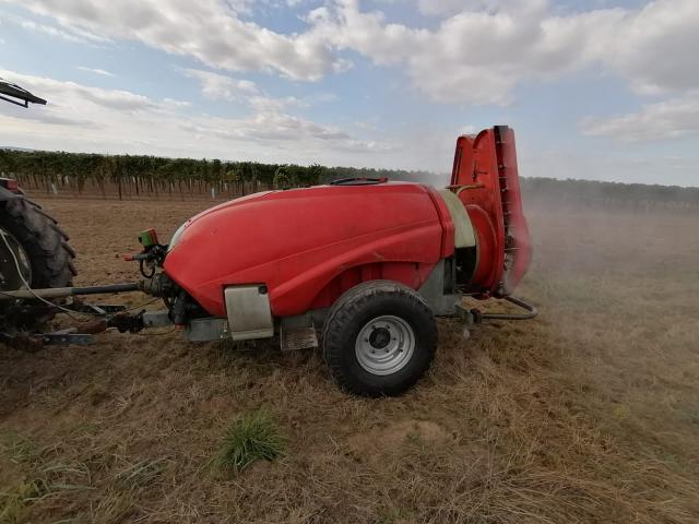 Weingarten Gebläsespritze 1600 liter